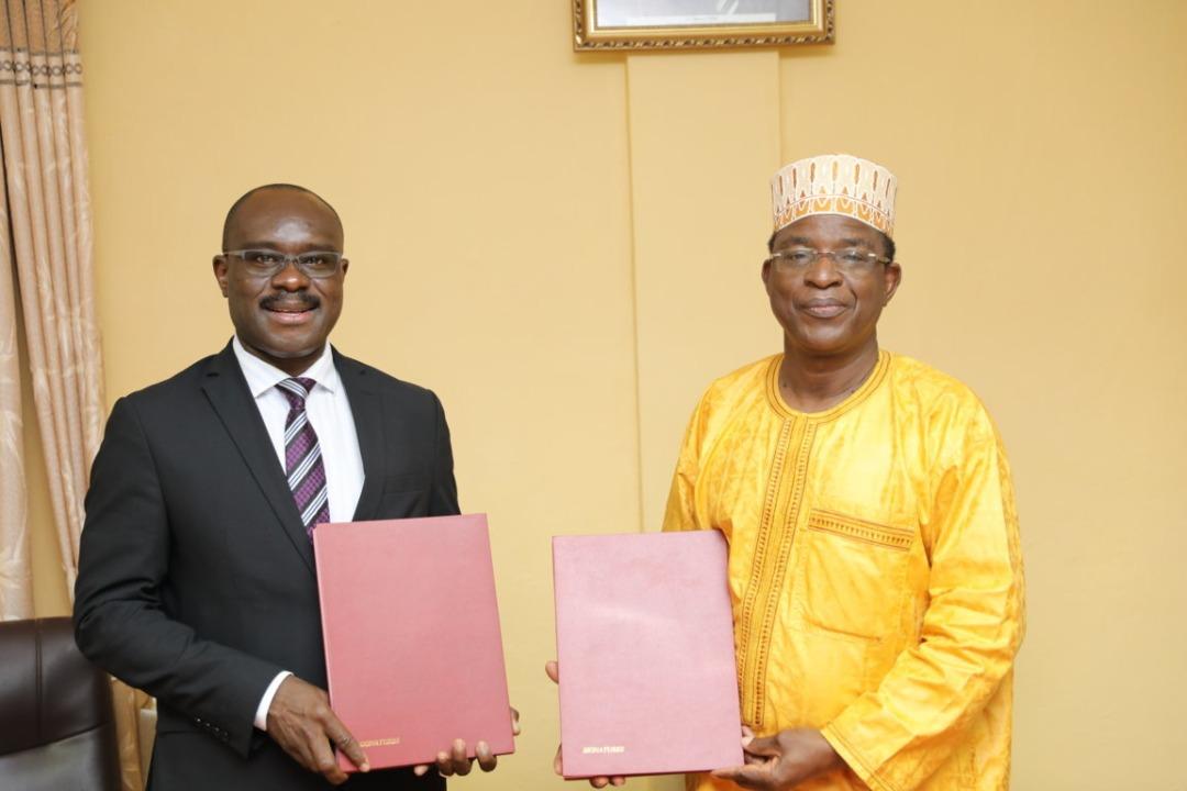 Partenariat : Un accord-cadre de coopération signé entre le CESAG et l'Université Joseph KI-ZERBO